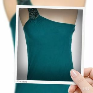 🌸 EUC Cute Teal Cold Shoulder top by Forever 21
